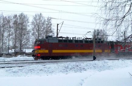 поезд киров снег