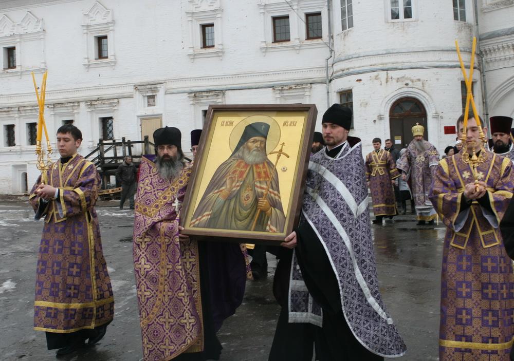 В Киров привезли икону с частицей мощей святителя Луки Крымского