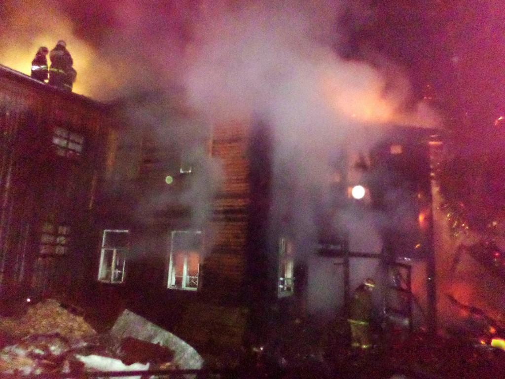 В Слободском пожарные спасли из огня десять человек