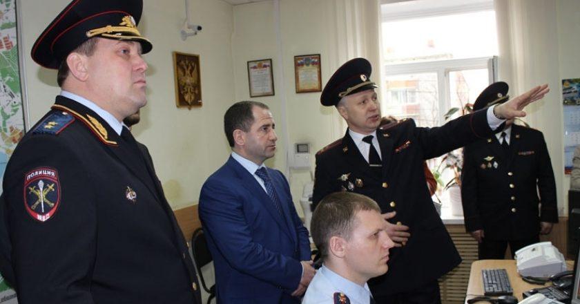 Кировские правоохранители достойно отчитались перед высоким гостем, показав ему как ловят угонщиков