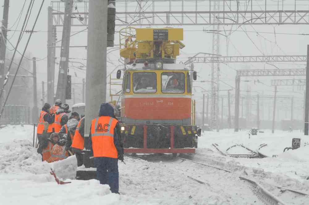 железнодорожники работают зимой