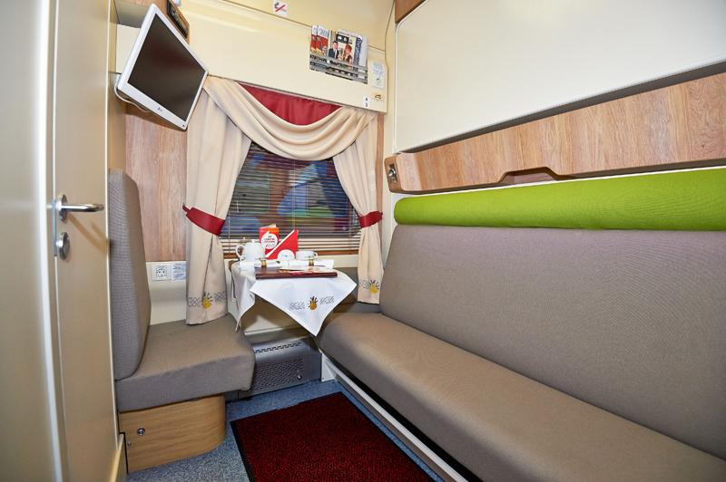 В Кировское пассажирское вагонное депо поступили новые вагоны класса «Люкс» для фирменного поезда «Вятка».