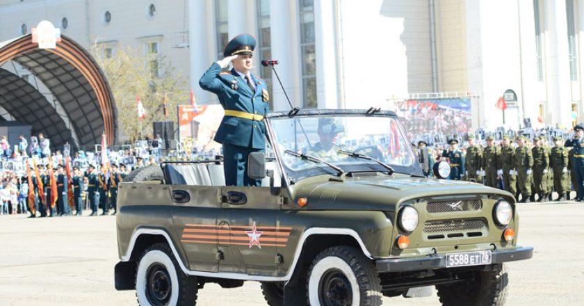 День Победы в Кирове: на Театральной площади прошел Парад Победы