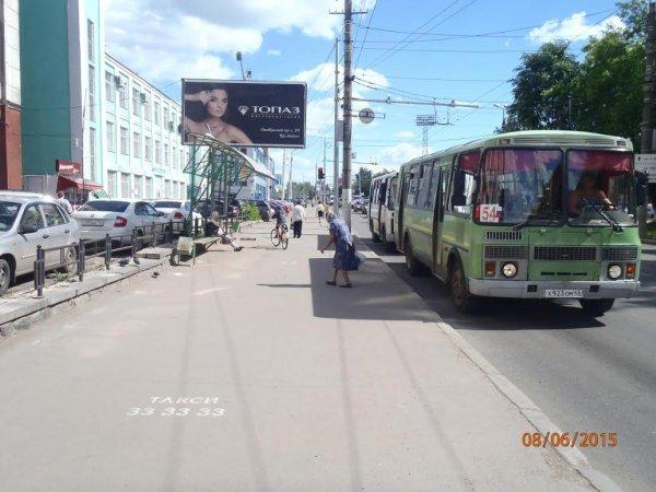 В Кирове водитель автобуса зажал дверьми пенсионерку