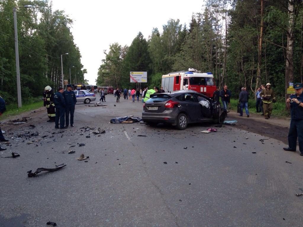 Страшная авария в Коминтерне: автобус столкнулся с «Фордом»