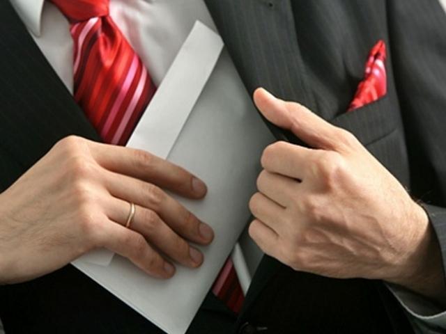 ОНФ: глава Яранского района Кировской области незаконно начислил себе премию в размере 300 тыс. руб.