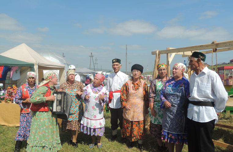 В областном празднике Сабантуй в Вятских Полянах Кировской области приняли участие около 17 тысяч человек