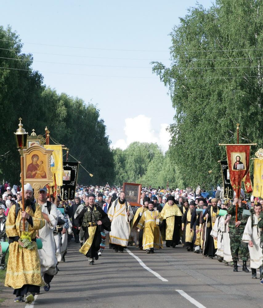 Крестный ход пришел в село Великорецкое
