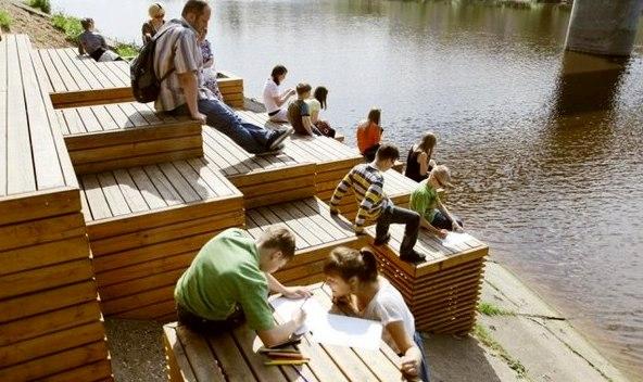 Администрация одобрила проект по установке скамеек на набережной Грина в Кирове