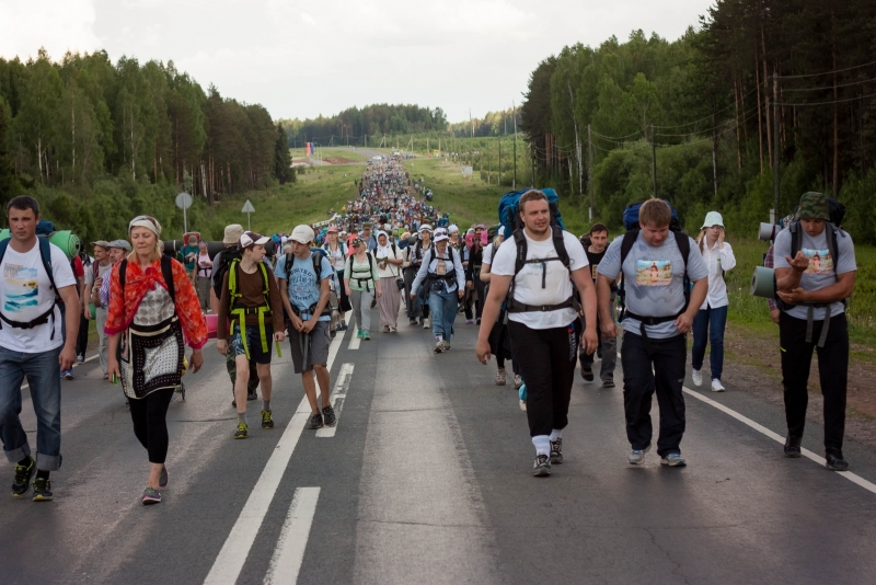 146 человек обратились за помощью в первый день Великорецкого крестного хода