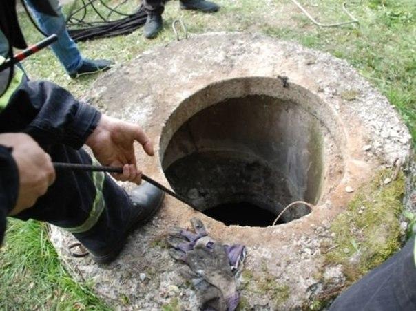 В городе Котельнич Кировской области мужчина провалился в канализационный колодец