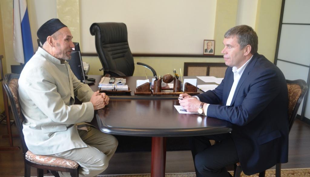 Владимир Климов встретился с духовным лидером мусульман региона
