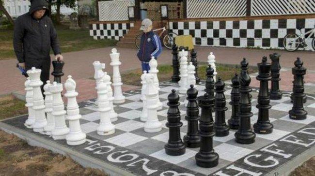 С набережной грина исчезли гигантские шахматы
