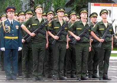 Кировских призывников торжественно проводят на военную службу