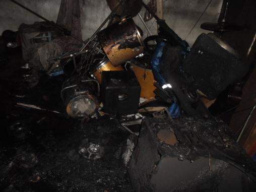 В Кирове сгорел гараж: один из пострадавших в реанимации