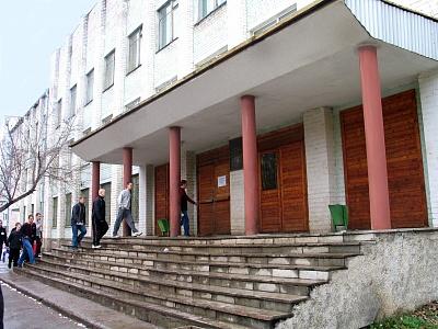 В колледже в Кирове незаконно собирали деньги с учащихся