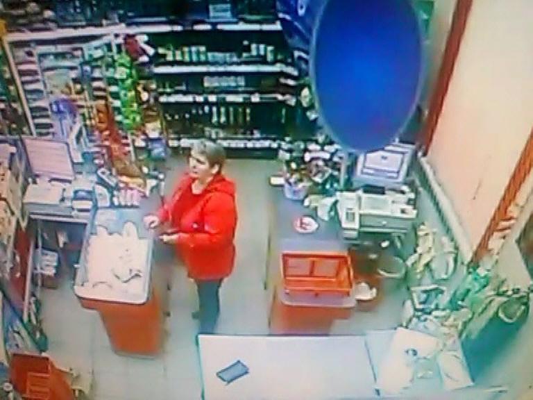 В одном из магазинов Кирова женщина прикарманила чужой кошелек