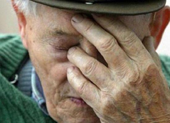 В Кирове лже-полицейский украл у пенсионера 53 тысячи рублей