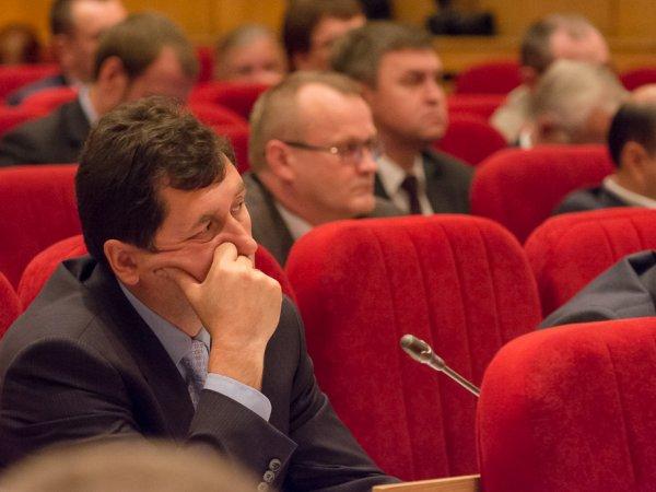 Депутат от фракции ЛДПР Валерий Смирнов избран заместителем председателя областного Заксобрания.
