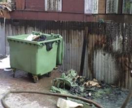 В Кирове за ночь сгорели семь мусорных контейнеро