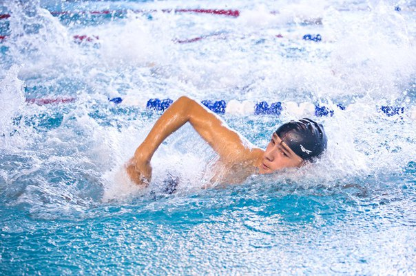 плаванье бассейн
