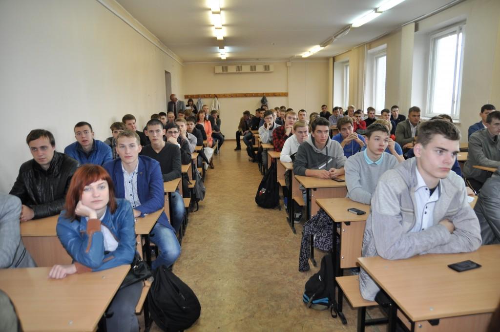 студенты Руководители кировских энергокомпаний провели открытую лекцию для студентов ВятГУ