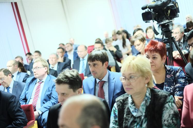 Дмитрий Курдюмов стал секретарем Общественной палаты Кировской области