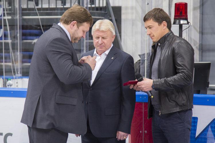 Прославленный чепецкий хоккеист получил Почетный знак Кировской области