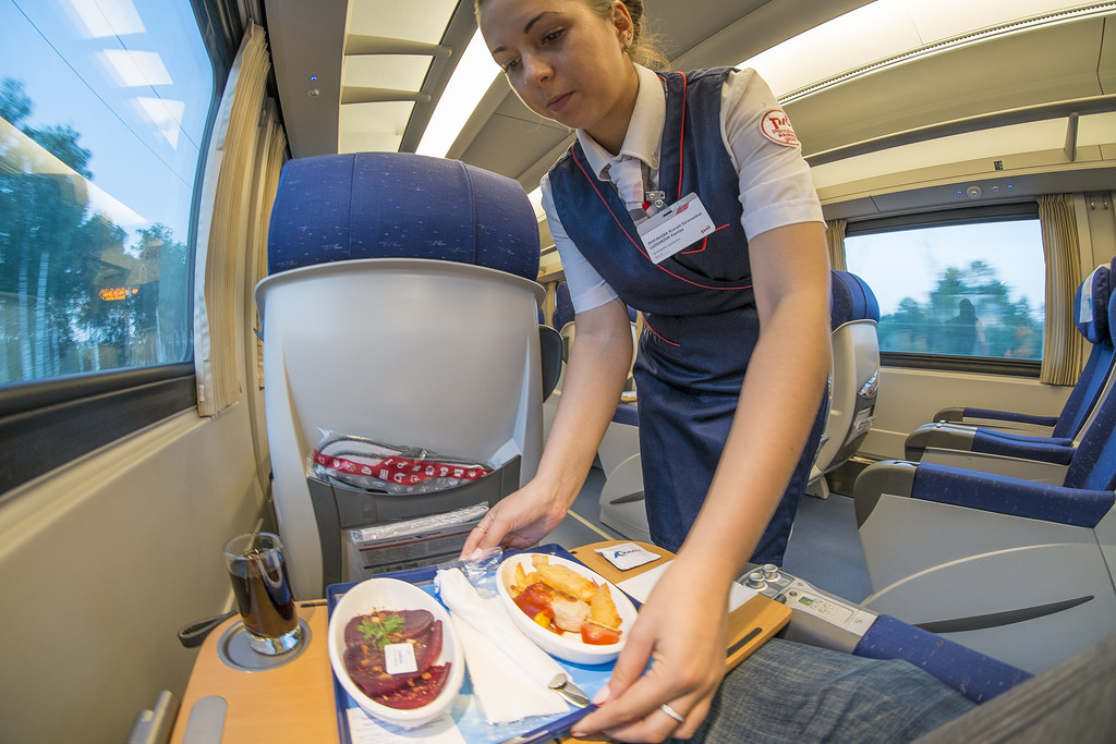 Кировская компания начнёт поставки готового питания для пассажиров РЖД