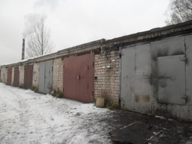 В Кирове при пожаре в гараже обнаружили труп мужчины