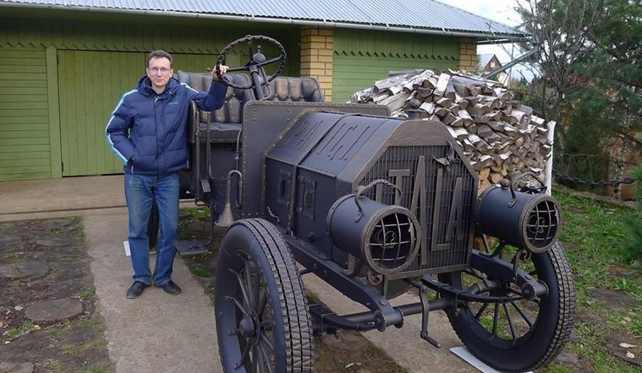 На Спасской появится знаменитый автомобиль Остапа Бендера