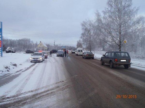 На Слободском тракте столкнулись «Ауди» и «Форд»: один пострадавший