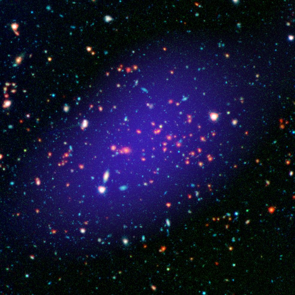 Найденное учеными галактическое скопление, расположенное в 8,5 миллиарда световых лет от Земли, является самой крупной структурой, обнаруженной на таком большом расстоянии. Его масса в квадриллион раз больше массы нашего Солнца.