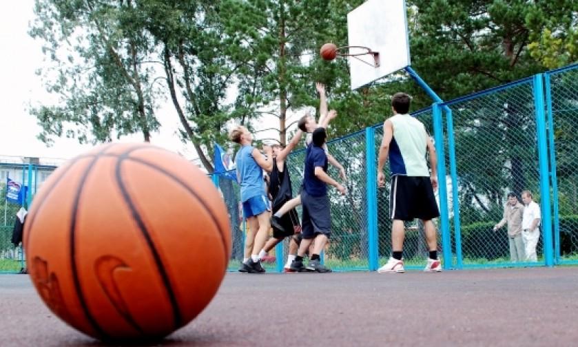 В каждом микрорайоне Кирова появится большая спортивная площадка