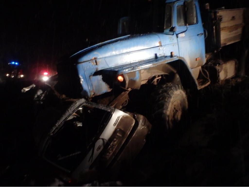В Кирово-Чепецком районе «Калина» попала под колеса «Урала»: погиб мужчина