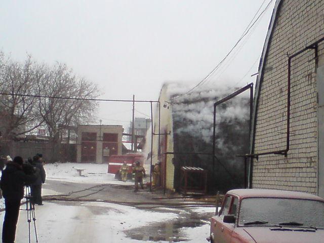 В центре Кирова загорелось здание складского назначения