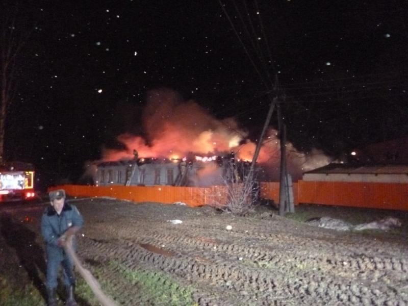 В Нововятске сгорел цех по производству мягкой мебели