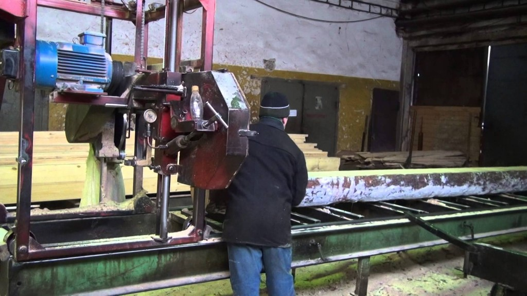 .В Котельничском районе рабочий на пилораме лишился кисти