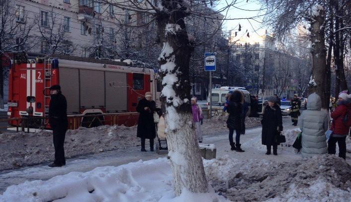Из-за подозрительного рюкзака в Кирове оцепили детскую поликлинику