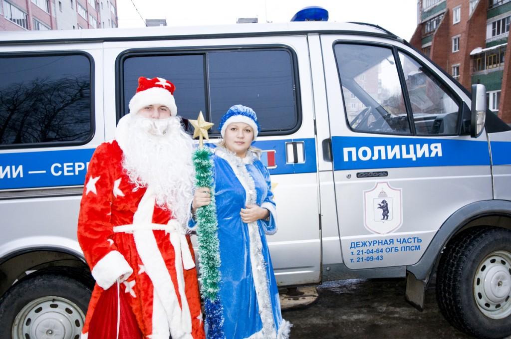 Полицейский Дед Мороз Кировской области ждет писем от кировских школьников о добрых делах