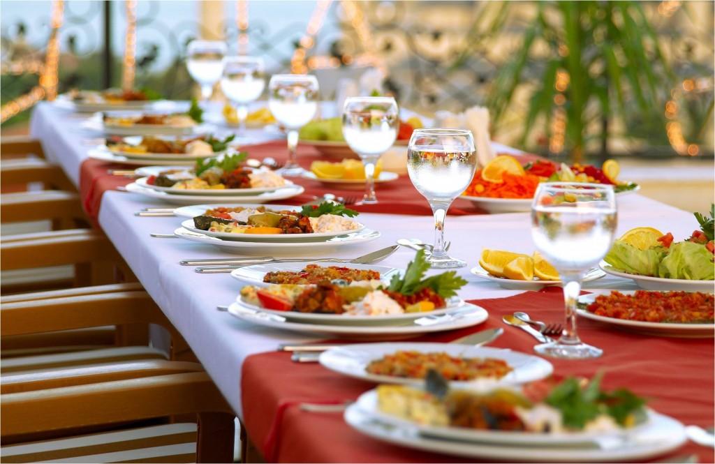 Учёные выяснили, что аппетит человека зависит от размера стола