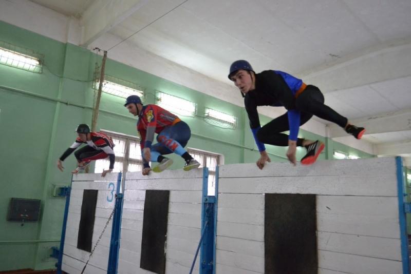 Кировчанин стал первым на стометровке с препятствиями