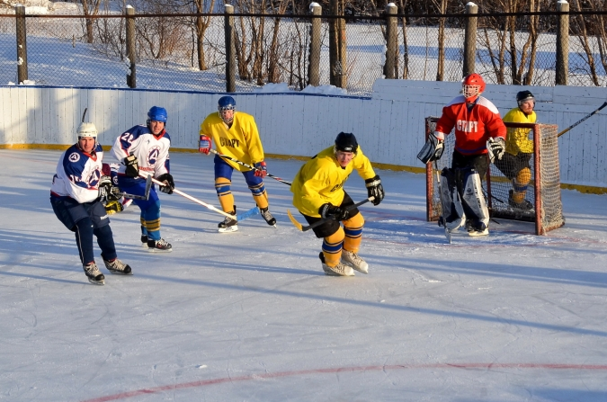 В Богородском разыграли Рождественский кубок по хоккею на призы Олега Валенчука
