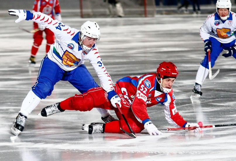 Кировская «Родина» на выезде победила нижегородский «Старт» со счётом 3:5 в рамках Первенства России 15/16 по хоккею с мячом.