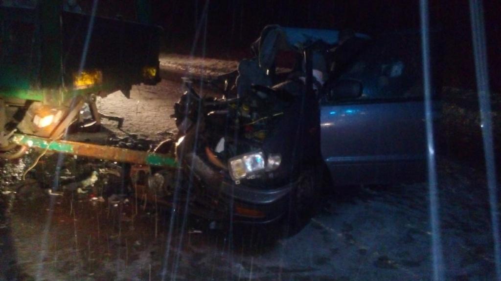 В Юрьянском районе иномарка влетела под грузовик: пострадали 2 женщины