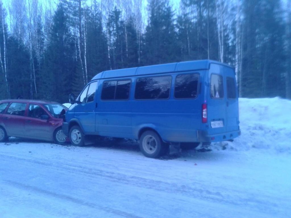 В Омутнинском районе столкнулись «Калина» и ГАЗ, четверо пострадавших