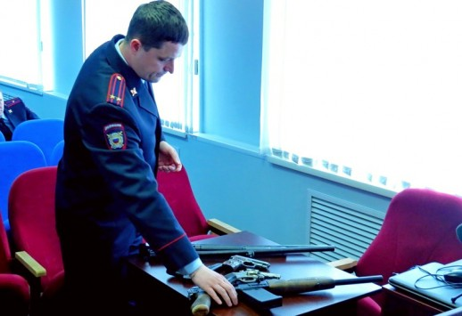 Житель Кировской области нашел в заброшенном доме оружие