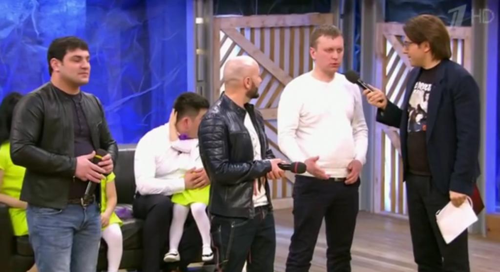 Жителей Котельнича, снявших видео про дискотеку, показали в шоу «Пусть говорят»