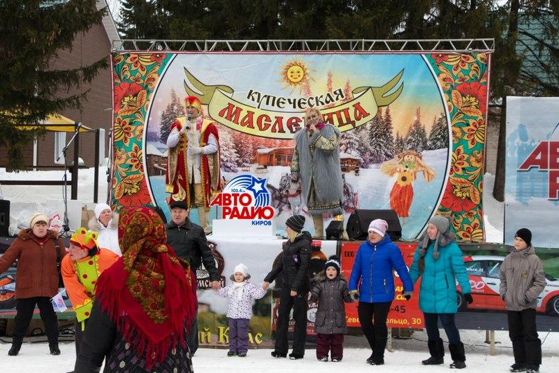 На Масленицу в Кирове установят четырёхметровую «Дымковскую барыню»
