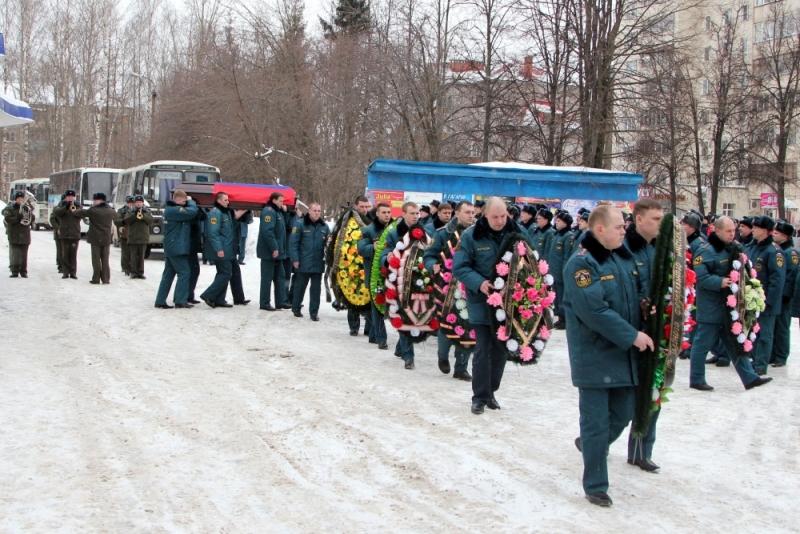 В Кирове простились со спасателем, погибшим на шахте «Северная»